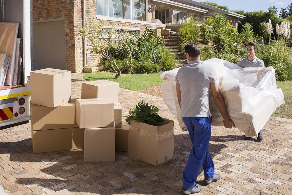 Few Tips to Search the Best Removal Company